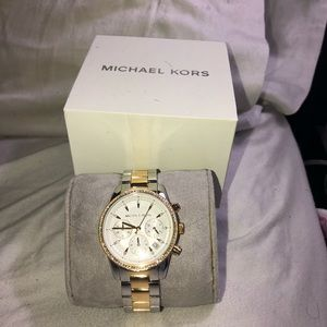 Micheal Kors Watch gold and silver